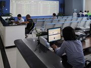 Vietnam shares drop as oil falls