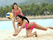Miss Universe Vietnam 2015's contestants play volleyball on the beach