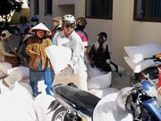 Ninh Thuan distributes rice aid to poor people