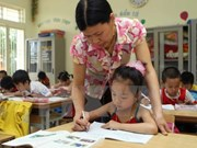 Bilingual courses lack teachers