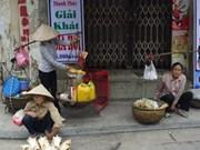 Street vendors struggle amidst global integration
