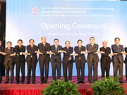 ASEAN telecoms ministers' meeting opens in Da Nang