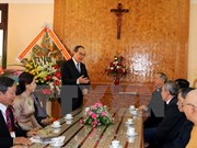 Fatherland Front leader visits parishioners in Dak Lak province