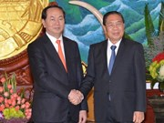 Lao Party, State leaders welcome Vietnam's public security delegation