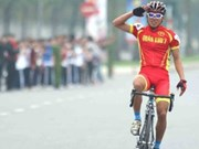 Tung wins silver medal at Asian cycling event