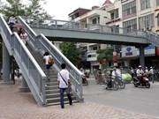 Hanoi to fine pedestrians violating traffic laws