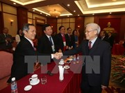 Party General Secretary welcomes Overseas Vietnamese