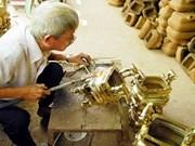 Seasonal jobs provide extra cash ahead of Tet