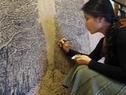 Vietnamese artist portrays 'strong women' in paintings
