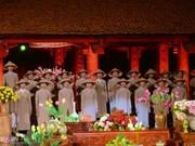 Ao dai festival shines in Hanoi