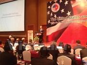 Vietnamese, US businessmen meet in Hanoi, talk about TPP