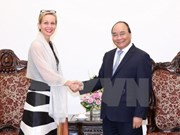 PM bids farewell to Swedish, Myanmar ambassadors