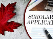 Canada awards scholarships to Vietnamese students