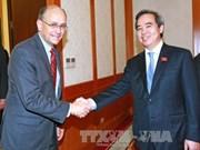 Politburo member receives visiting US treasury official