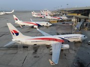 Malaysia Airlines buys 50 Boeing jets