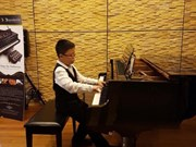 Amateur pianist takes first prize
