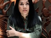 Designer Minh Hanh wins Thailand's fashion award