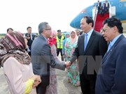 President arrives in Brunei, begins State-level visit