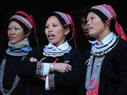Ethnic group keeps folk songs alive
