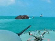 Singapore navy prevents pirate attack
