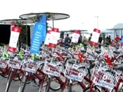Tien Giang: studious poor students get bikes