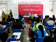 Vietnam helps train Laos' reporters