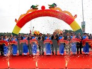 New bridge linking Hanoi-Phu Tho opens to traffic