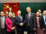 Vietnam, Laos trade union boost links