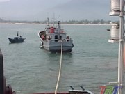 Chinese fishing vessel rescued off Thua Thien-Hue shore