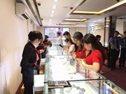 Gold prices take nosedive following two-year high