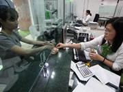Higher Q2 earnings push banks up