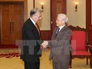 Party leader receives Mexico's Labour Party officials