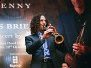 Battery Dance, Saxophone artist Kenny G perform in Vietnam