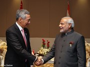 Indian PM visits Singapore to boost ties