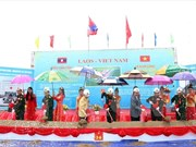 Vietnam helps Laos develop border guard forces
