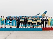Vietnam Airlines welcomes 160 millionth passenger