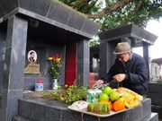 Tomb-sweeping tradition in Vietnam