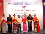 Vietnamese press exhibition underway in Laos