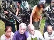 Philippine rebels threaten to murder hostages