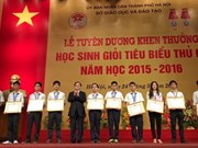 Hanoi honours over 1,100 outstanding students