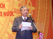 Laos's top leader welcomes Party official from Vietnam