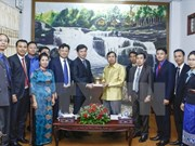 Laos' Salavane province leader welcomes Vietnamese youths