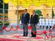 Vietnamese, Romanian PMs hold talks