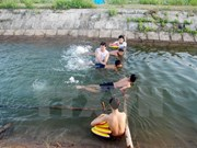 Project teaches swimming to thousands of kids in Thua Thien – Hue