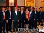 PM meets Hong Kong corporate executives