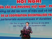 Conference boosts partnership among Vietnamese, French localities