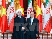 Prime Minister Nguyen Xuan Phuc receives Iranian President