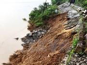 Landslides in Quang Binh shut down North-South railway