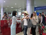 Russia launches charter flights to Cam Ranh