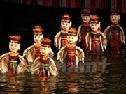 [Video] Artisan dedicates to water puppet making